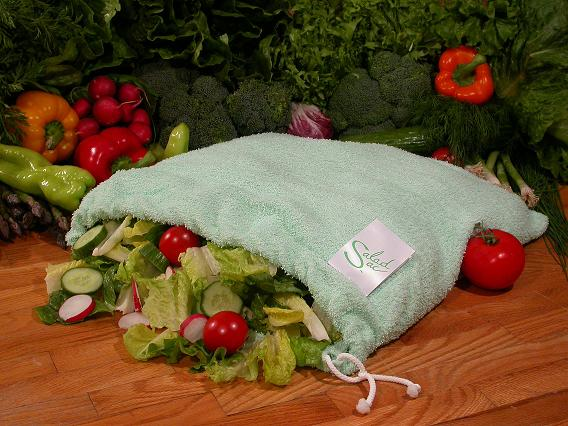 "Photo of salad sac for salad sac product review on www.SATgourmet.com by charis freiman-mendel, author of ""cook your way through the s.a.t."""